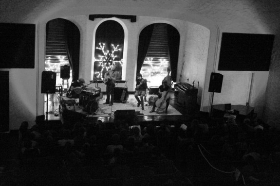 horse-feathers-live-in-pullman-3